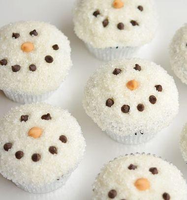Sugar covered snowman face cupcakes - Christmas dessert // Aranyos hóemberes muffinok cukorral - téli desszert // Mindy - craft tutorial collection