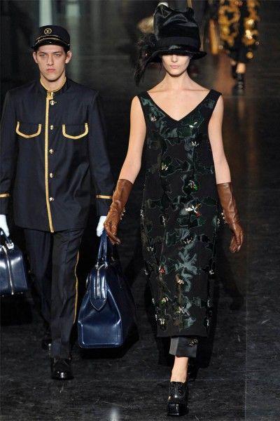 Louis Vuitton: Paris Fashion, Louis Vuitton, Fallwint 20122013, Black Louis, Black Dresses, Fashion Week, Fall 2012, 2012 Paris, 2012 Rtw