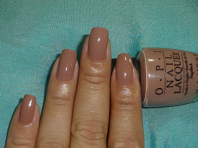 OPI Barefoot in Barcelona. This is my fav neutral!