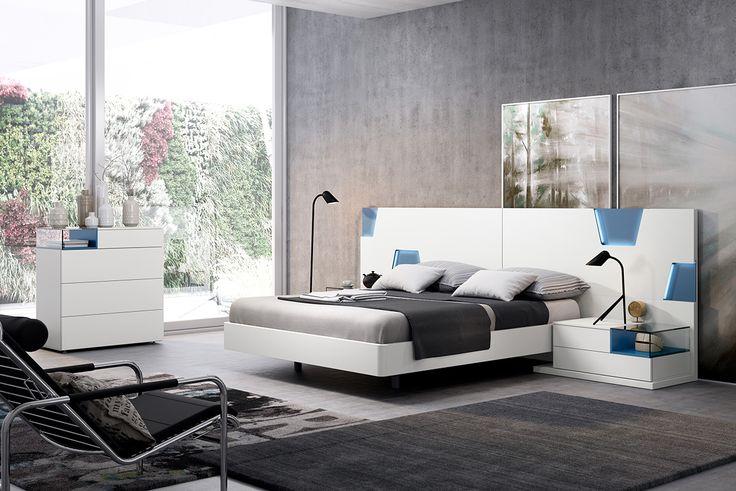 #Gráfika son detalles y formas poligonales con pinceladas azul cobalto lacado en el cabecero ... #MueblesMesegue #Dormitorio #Diseño #Interiorismo