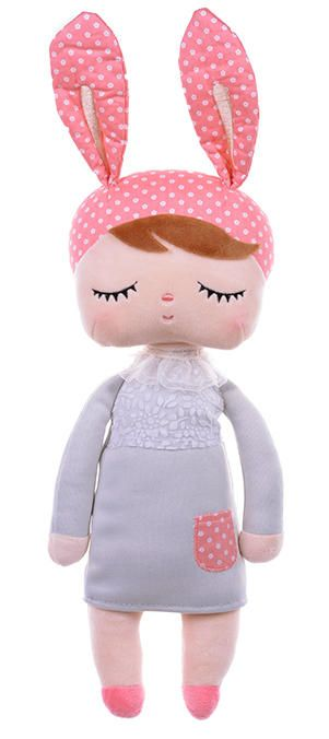 The original Metoo doll in grey dress is soft and cuddly. It can be the best friend of your baby.Size: 42cm Made of high quality safety environmental soft plush fabric+PP cotton filler. Could be wash.Super soft fabric,perfect size and weight for your baby snuggle her in arm and play for all day.Sweet gift for Easter day decor,children's birthday,christmas,thanksgiving,baby shower,mother's day and other memorial day.Child age: 0+CE certified which means the dolls are suitable for babies form…