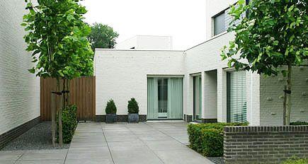 De 25 populairste idee n over modern tuinontwerp op pinterest moderne tuinen modern - Eigentijdse tuinarchitectuur ...