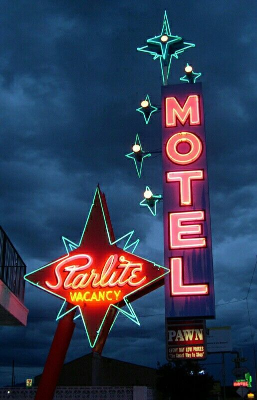 Starlite motel in Las Vegas, before the neon was removed :(