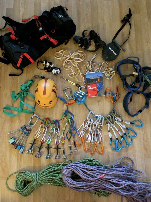 Bilde fra http://www.oslosportslager.no/uploads/bilder/adminbrukere/Jan%20Vidar/naturligklatring/utstyrweb.jpg.