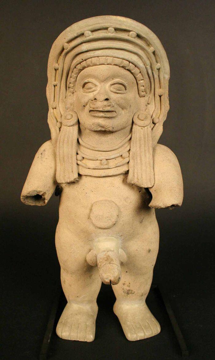 Figura antropomorfa masculina – Museo Chileno de Arte Precolombino Museo Chileno de Arte Precolombino