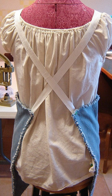My Byrd House: Green - Jeans Apron - Tutorial