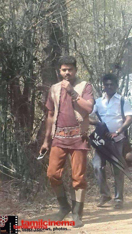 #vijay puli shooting spot  http://tamilcinema.com/vijay-at-puli-shooting-spot-2/  #Shrutihasan #Hansika http://tamilcinema.com/vijay-at-puli-shooting-spot-2/