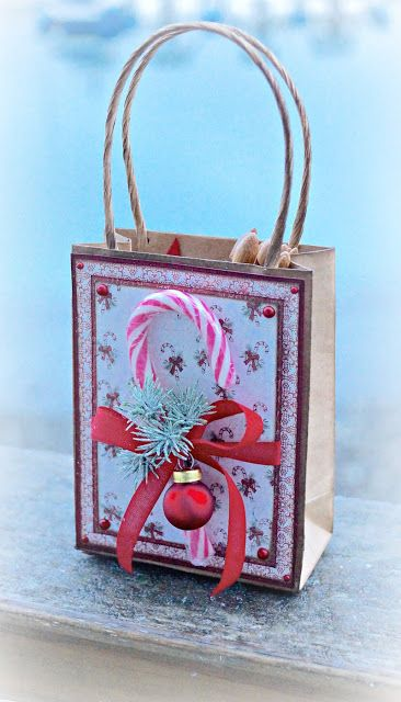 Mitt Lille Papirverksted: Candy Cane Gift Bag