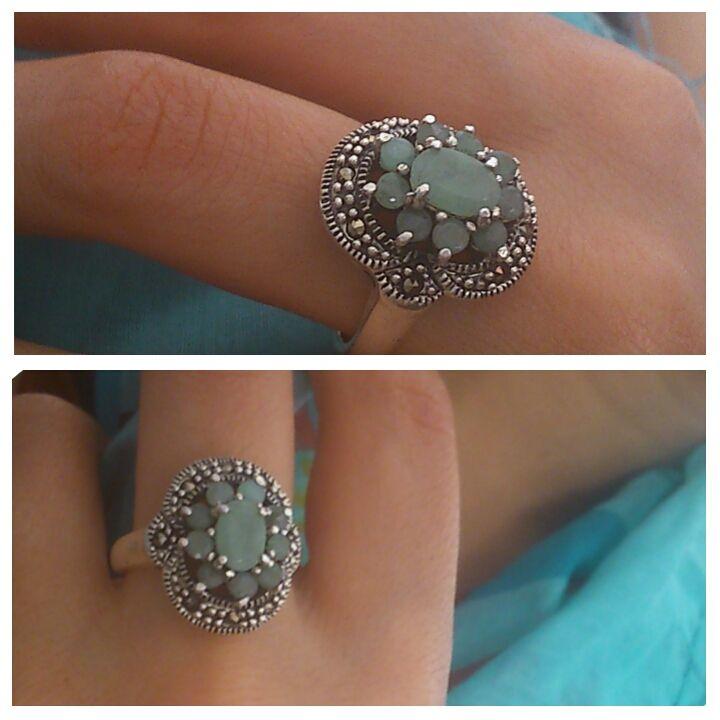 Anillo marquesitas y esmeralda www.joyasatualcance.com/tienda-joyas/es/plata-de-ley-925-950/71-anillo-de-plata-de-ley-925.html