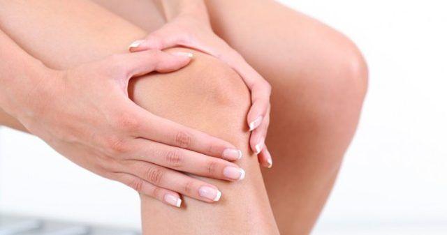 Özellikle ilerleyen yaşlarda ortaya çıkan eklem ve diz kapaklarındaki ağrının birçok nedeni vardır. Ancak belirttiğimiz gibi ilk etken yaşın ilerlemesidir. Bu noktada mutfağınızdaki malzemelerle hazırlayacağınız bu merhem ağrılarınızı büyük oranda azaltacak. Denemekten zar