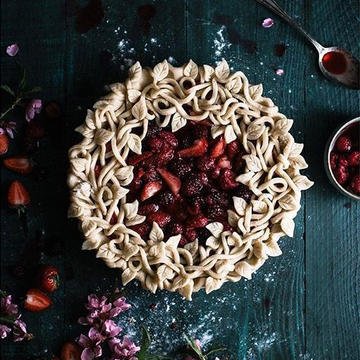 Triple Berry Pie from The Kitchen McCabe + 25 Amazing Pie Crusts {pie inspiration}