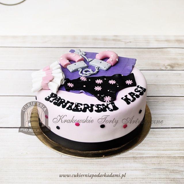 154BA Tort na wiezór panieński z podwiązką majteczkami i pluszowymi kajdankami. Bachelorette party cake decorated with sugar panties, handcuffs & garter.