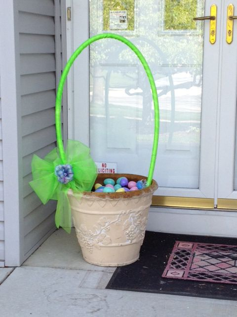 Don't know what do do with your flower pots in the spring? Make them Easter baskets!!!