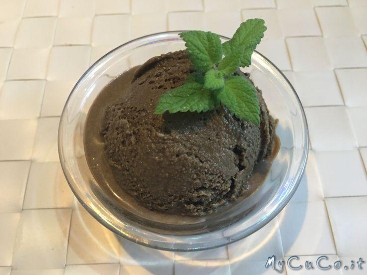 Gelato alla liquirizia con Cuisine e i-Companion Moulinex - http://www.mycuco.it/cuisine-companion-moulinex/ricette/gelato-alla-liquirizia-con-cuisine-e-i-companion-moulinex/?utm_source=PN&utm_medium=Pinterest&utm_campaign=SNAP%2Bfrom%2BMy+CuCo
