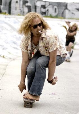 Heath Ledger skateboarding