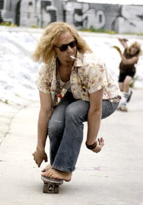 Heath Ledger skateboarding