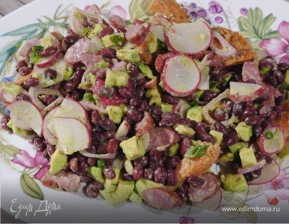 Салат из фасоли, сладкого картофеля и авокадо . Ингредиенты: фасоль красная, лимоны, оливковое масло Extra Virgin