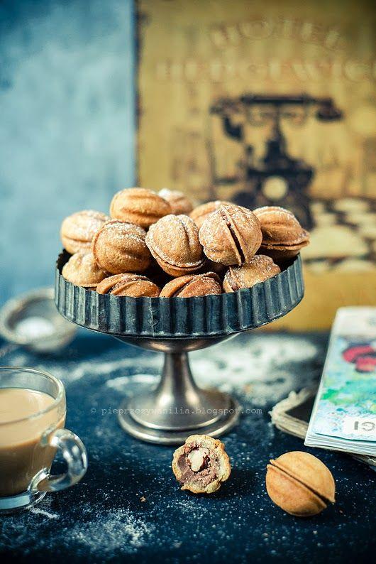 pieprz czy wanilia blog kulinarny: Orzeszki jak malowane. Mały powrót do przeszłości.