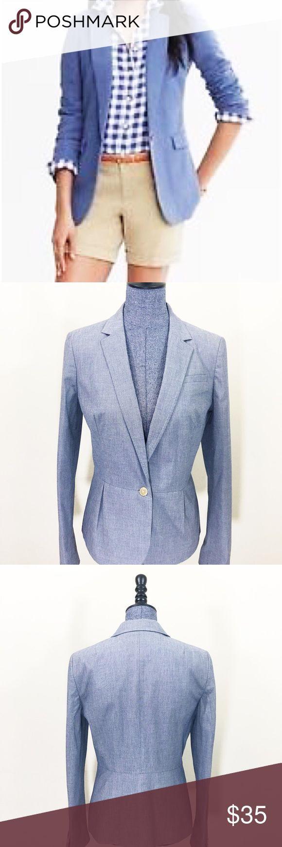 Banana Republic Chambray Blazer The blazer is in excellent used condition  ✂️Bundle & Save: 10% Off 2 or More Items ❌ No Trades 📬 Shipping within 48 hours Banana Republic Jackets & Coats Blazers
