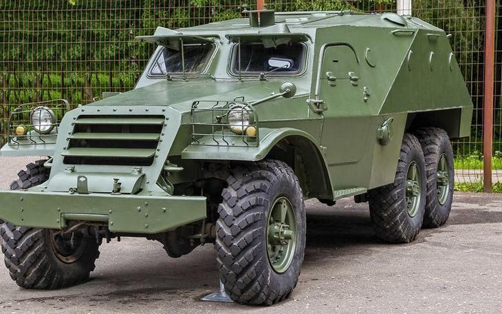 Бронетранспортер БТР‑152 выпускали в Москве, а затем в Брянске с 1950 по 1964 год. Всего изготовили 12421 машину. Они служили не только в Советской Армии, но и в армиях дружественных СССР стран.