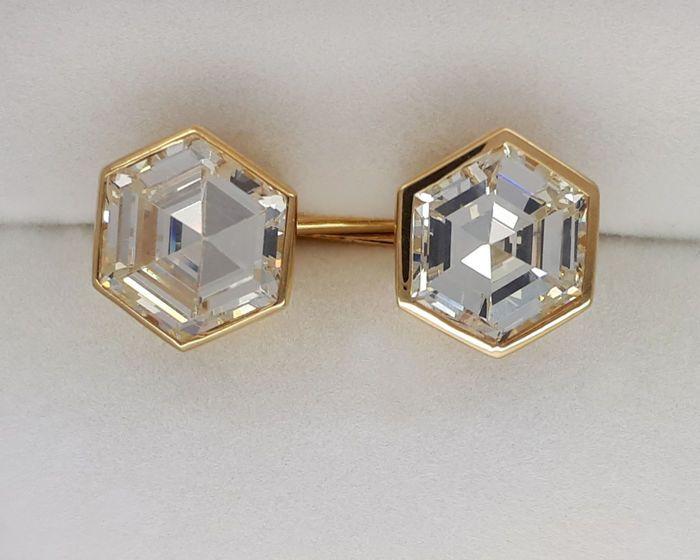 18kt gold Cufflinks with 10.69 ct Strontium Titanate ***No Reserve Price***