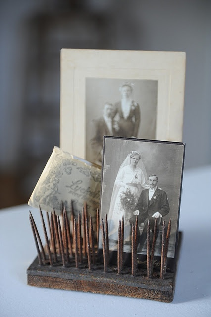 ..: Vintage Flower, Photo Display, Antiques Photo, Families Photo, Wedding Photo, Old Photo, Vintage Photo, Display Photo, Flower Frogs