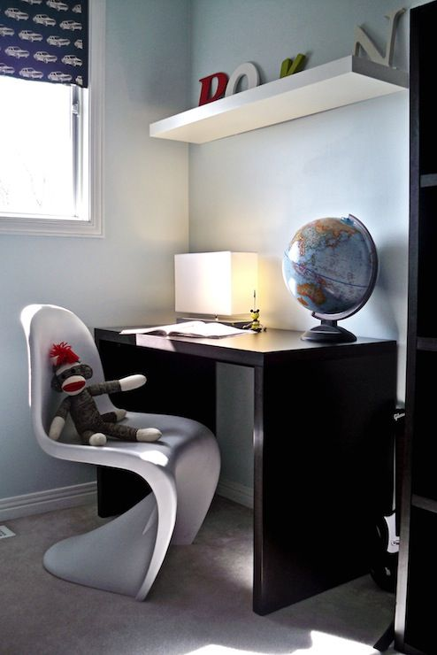 stagehouse mod blue and black boys room whitepanton chair black modern desk globe - Boys Desk Ideas