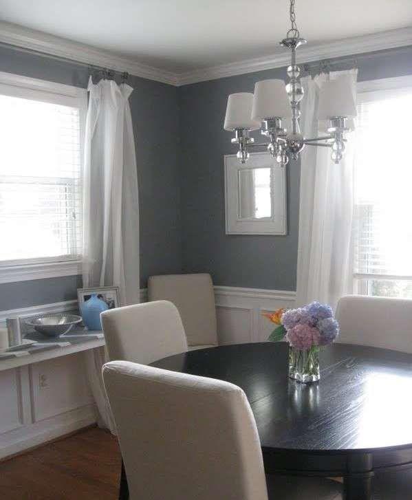 Abbinare due colori in una stanza - Sala da pranzo con pareti grigio e bianco