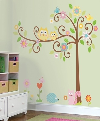 Wall Decor baby-kid-ideas with leaves and boy colors for my nephew