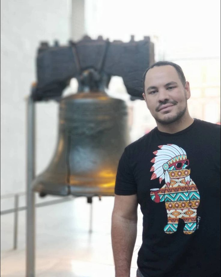 There's so much story behind this symbol that is Breathtaking!!! #pennsylvania #libertybell #freedom #history #nationalhistory #nationalpark #thetravelingbear #gaybear #gaycub #traveling #cuteassboys #musclebear #wheresmyphillycheesesteak