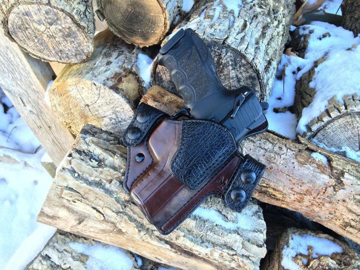 HK P30s Griffon V OWB brown cowhide with black shark trim