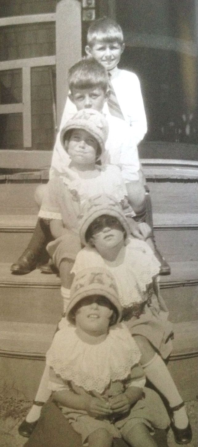 From the top: Joe Jr., Jack, Rosemary, Kick, and Eunice Kennedy.  ❃❤❁❤✾❤✾❤❁❤❃❤❁❤❁❤❁❃❤❁❤✾❤✾❤❁❤❃❤❁❤❁❤❤❁❤❁❤❤❁❃❤❁❤✾❤ http://en.wikipedia.org/wiki/Kathleen_Cavendish,_Marchioness_of_Hartington    http://en.wikipedia.org/wiki/Kennedy_family