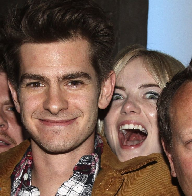 Emma Stone Adorably Photobombed Andrew Garfield