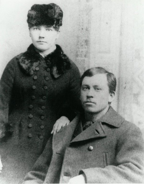 Laura and Almanzo in the first year of their marriage (1885 or 1886).The Life of Laura Ingalls Wilder: Part 3 - Old Photo Archive