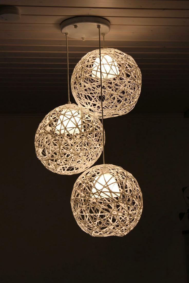 Paperiinipallo valaisin tuunattu vanhasta lampusta