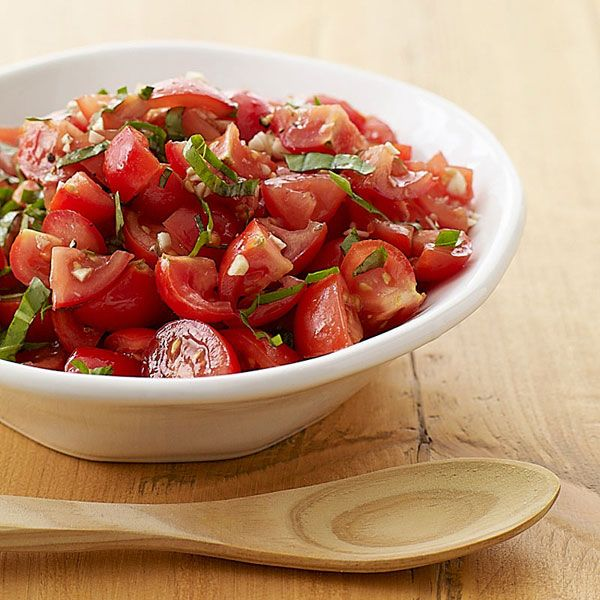 This no-cook Chunky Fresh Tomato and Basil Sauce is quick and easy. It ...