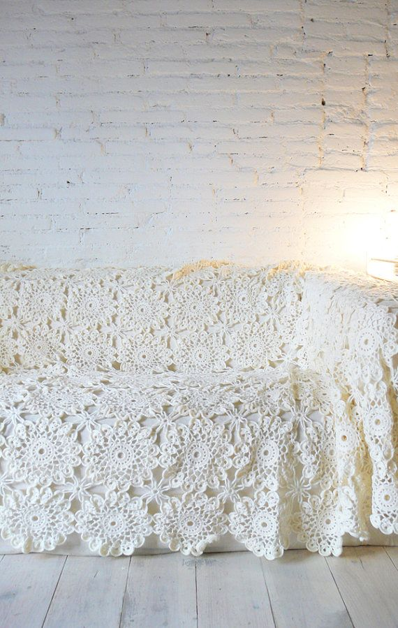 """Vintage crocheted blanket """"flowers"""""""