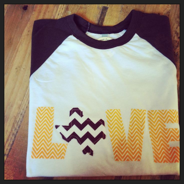 DIY Fabric word tee {but with Tennessee instead of Texas} I HAVE THIS - @sidnroberts / Sidney Roberts