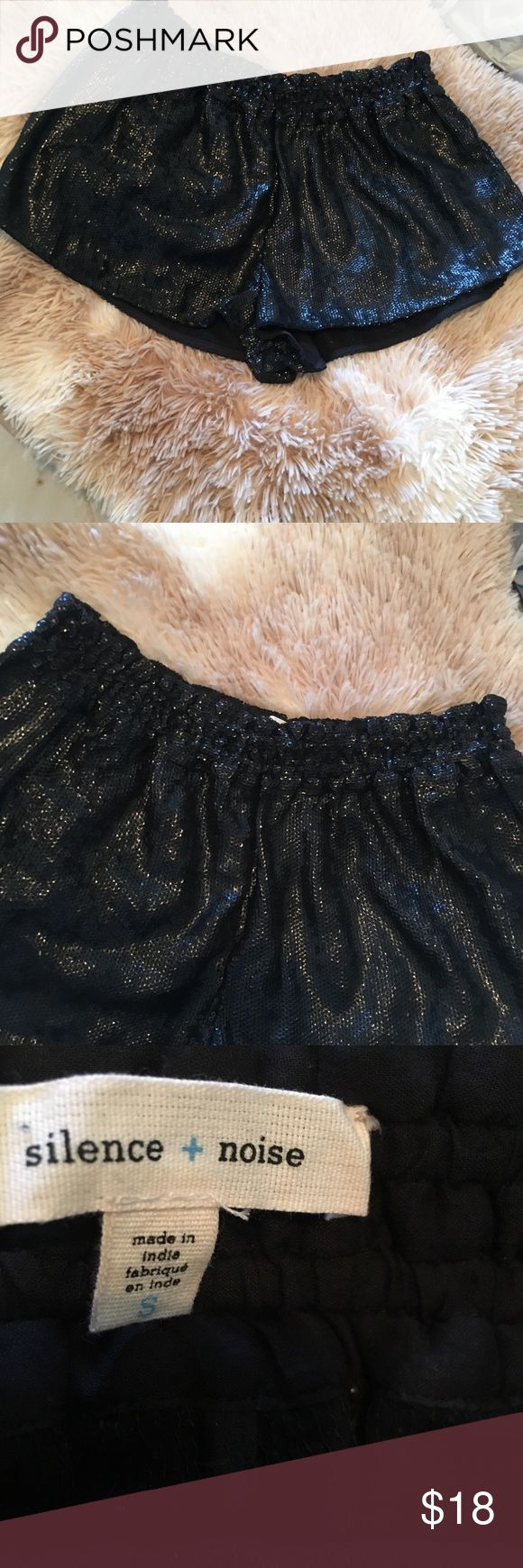 Silence + noise sparkly shorts size small Silence + Noise sparkly shorts. In good condition. Name Tag is coming off shorts as you can see silence + noise Shorts