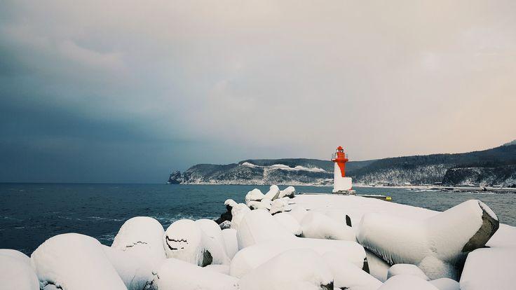 https://flic.kr/p/CeFSyz | Okhotsk sea lighthouse | Shiretoko Hokkaido
