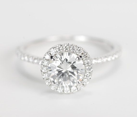 Take a look at the best round wedding rings in the photos below and get ideas for your wedding!!! 2-38-CT-ROUND-CUT-D-SI1-DIAMOND-SOLITAIRE-ENGAGEMENT-RING-14K-WHITE-GOLD Image source
