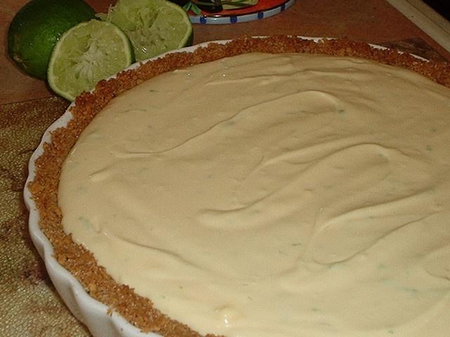 Key (not) Lime Cheesecake Pie | CHEESECAKES | Pinterest