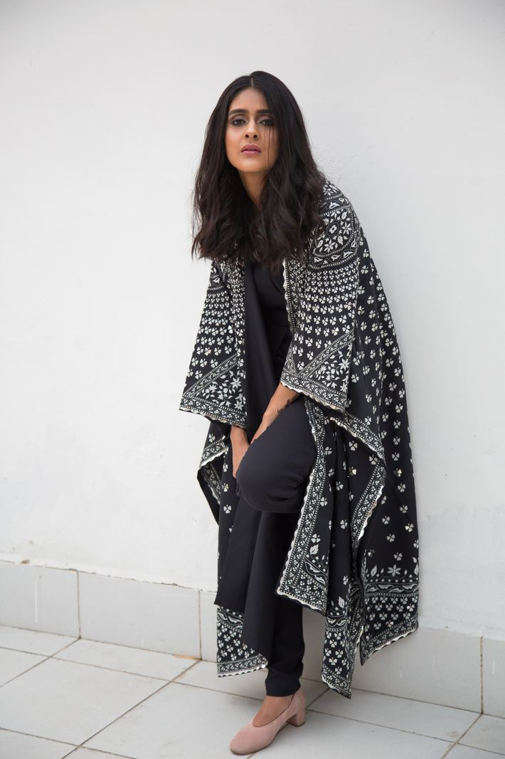 am:pm, indian fashion, couture, cape, style, fashion blogger, black and white, india, ethnic