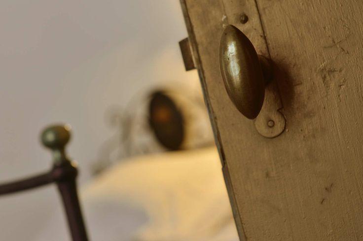 Door detail www.dimoredarte.com