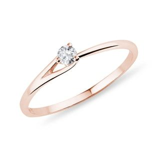 KLENOTA Diamond ring crafted in 14kt rose gold.