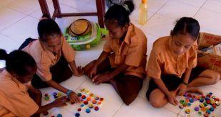 Belajar-Bahasa-Indonesia-dengan-Permainan-Scrabble