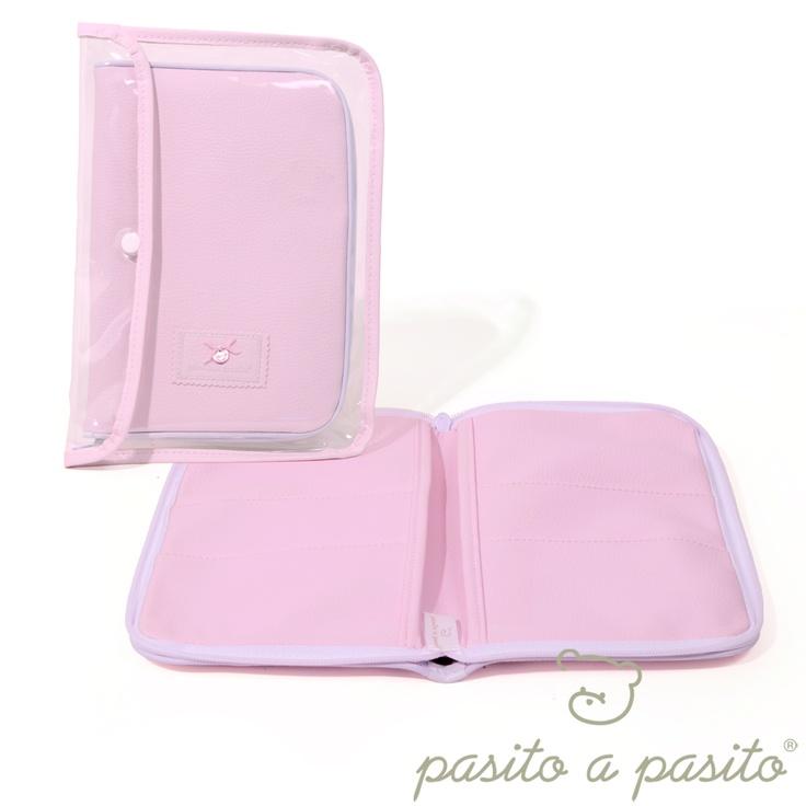 Pasito a Pasito Etui na książeczkę zdrowia /różowe/ ALEJANDRA   http://www.bokado.pl/pl/p/Pasito-a-Pasito-Etui-na-ksiazeczke-zdrowia-rozowe-ALEJANDRA/1566#