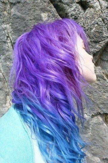 Capelli colorati viola e blu