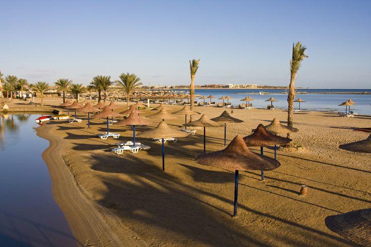 Παραλία στην πόλη Hurghada στην Αίγυπτο