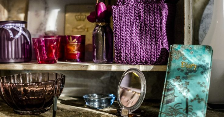 In this small shop behind District VIII's Rákóczi Square Market Hall, we can discover cheap-yet-practical knickknacks and sip delicious light-roasted coffee.
